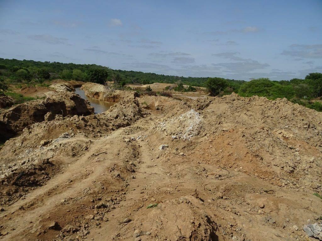 La rivière Ouham déviée de son lit initial suite à l'exploitation de l'or par des sociétés chinoises à Bozoum