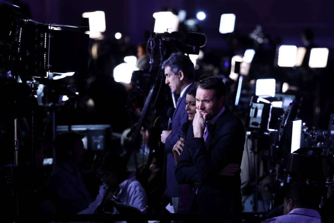 Des journalistes devant le QG de Donald Trump lors de la soirée électorale du 8 novembre 2016 à New-York.