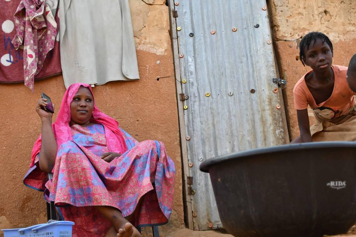 Auditrices du Studio Kalangou à Niamey, Niger.